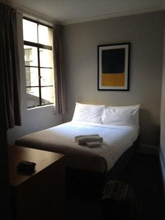 1831 Boutique Hotel: very small room