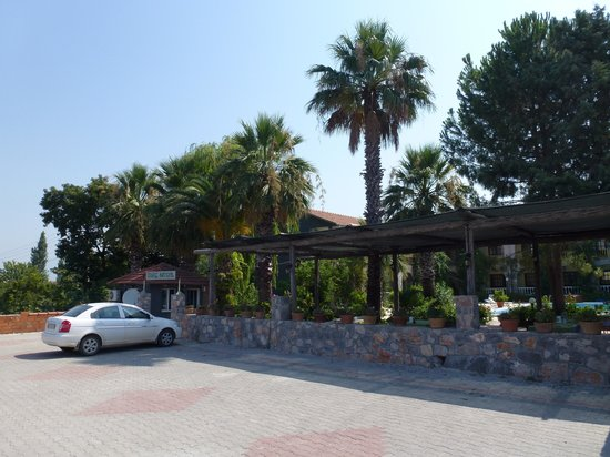 Hotel Burc : View from Car Park