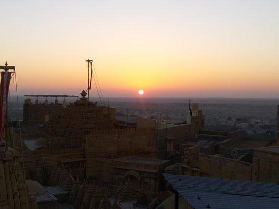 Desert Girl's Guest House : 새해를 루프탑에서 맞이했습니다