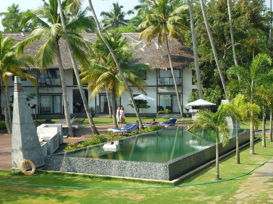 The Park on Vembanad Lake: Hotel and Pool