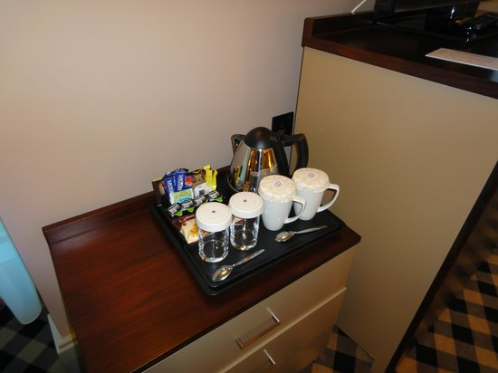 DoubleTree by Hilton Hotel Newcastle International Airport: well stocked.