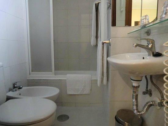 Hotel da Bolsa: バスルーム