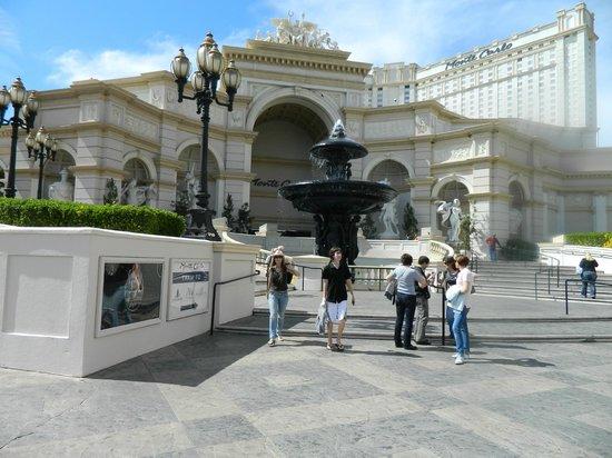 Monte Carlo Resort & Casino: Frente del hotel