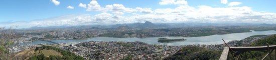 Fonte Grande Park : vista do monte do moxuara