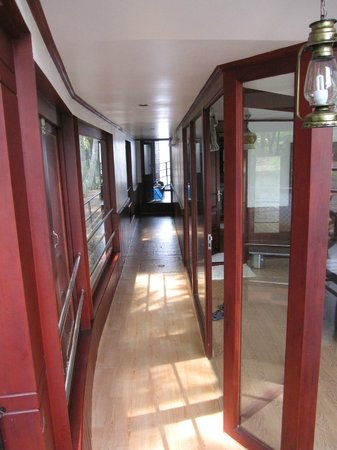 Lake View House Boats: corridor
