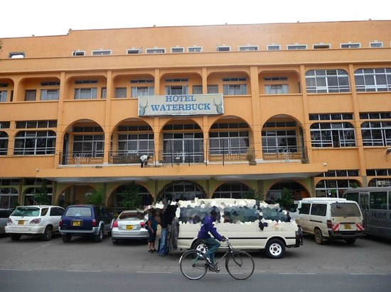 Hotel Waterbuck Nakuru: l'entrée de l'hôtel et sa façade...