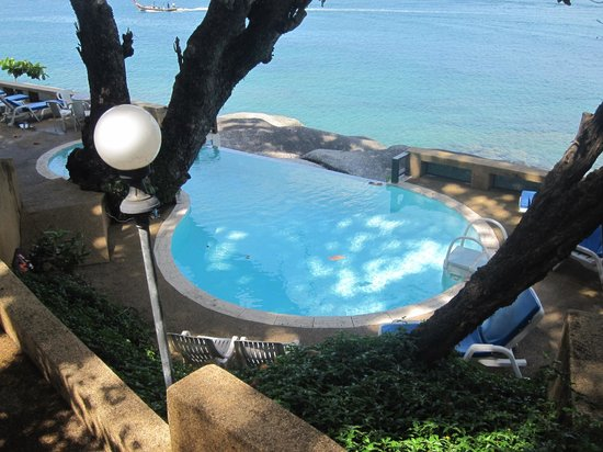 Delight Villas Kata Beach: Infinity pool