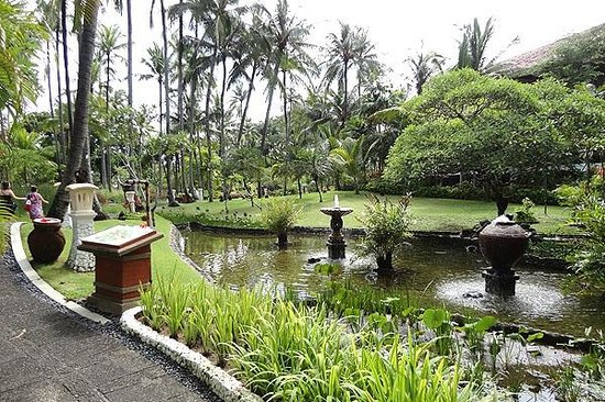 Melia Bali Indonesia:                   Taman