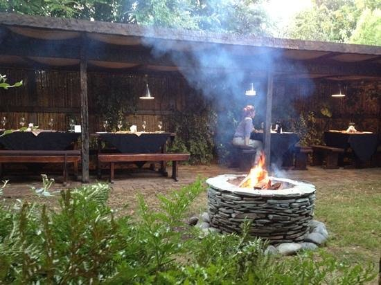 La Maga: back garden seating