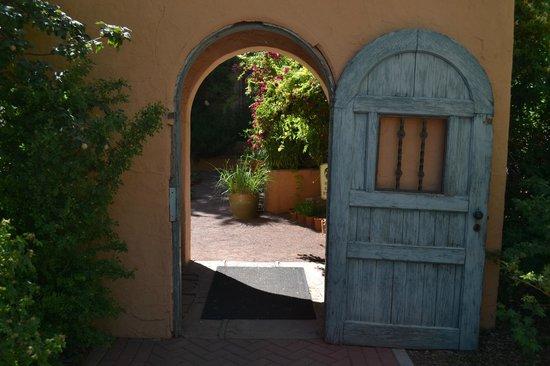 La Posada Hotel: Garden door