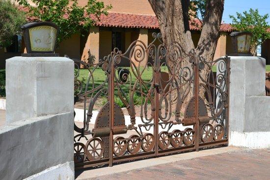 La Posada Hotel: Garden gate