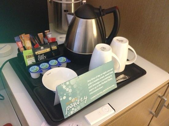 Hilton Garden Inn Bristol City Centre: tea, coffee etc