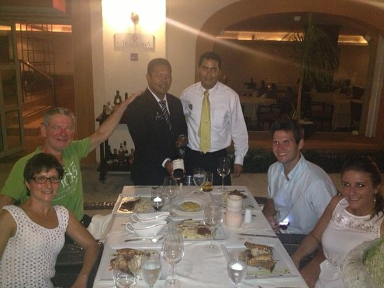 Heaven at the Hard Rock Hotel Riviera Maya: La Trattoria with sommelier and waiter
