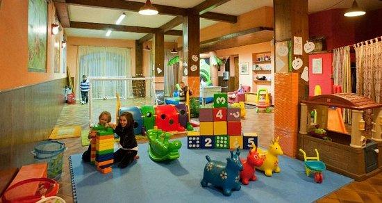 Cavalese, Włochy: sala giochi