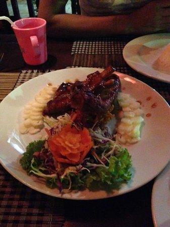 Rashnee Thai Restaurant: travers de porc au miel et ananas