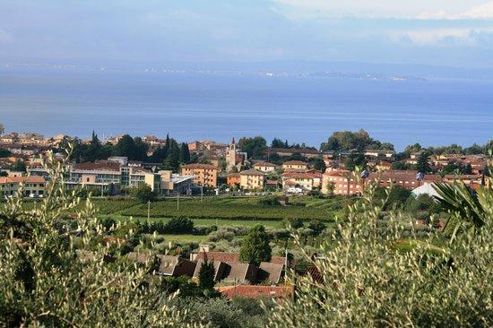 Corte Frisonai: Blick von der Hotelterrasse / Zimmer auf Bardolino