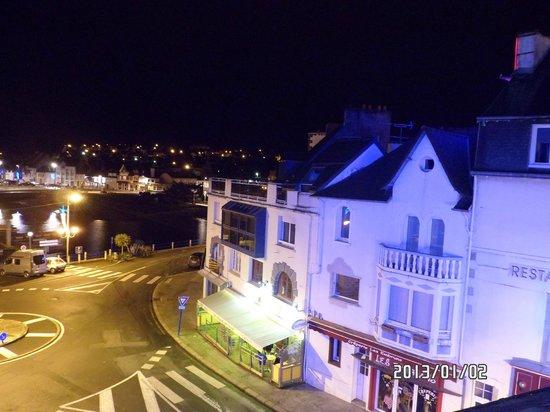 Hôtel Le Benhuyc : vue nocturne depuis la chambre