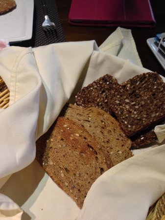 Sala Boutique Hotel: Dark German Bread