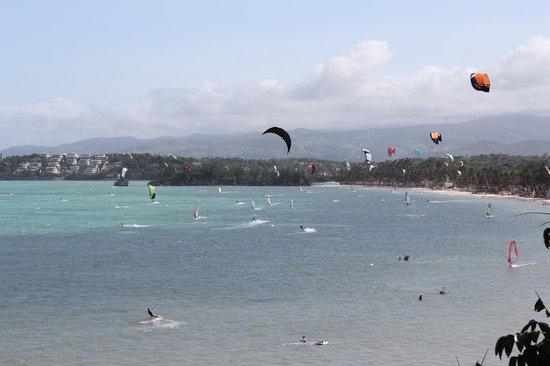 Palm Breeze Villa Boracay Hotel : view of bulabog kite surfing beach