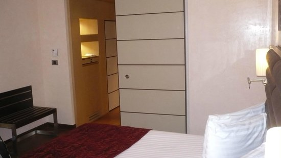 Eurostars Budapest Center Hotel: porte di pelle