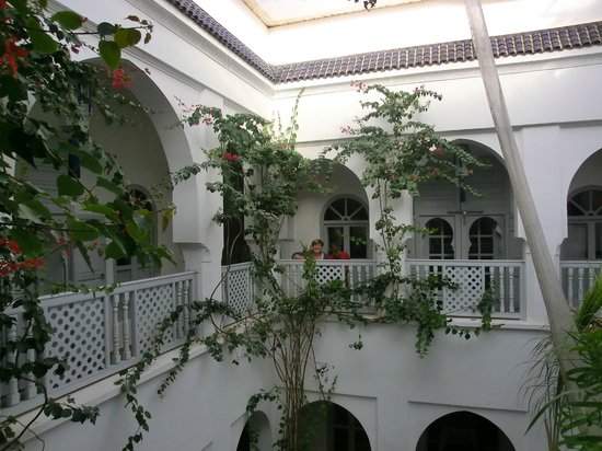 Riad El Kenz: upper patio (with 3 suites)