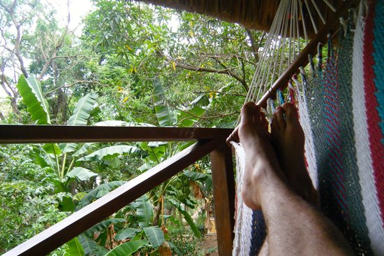 Apoyo Resort : The hammock out on the patio