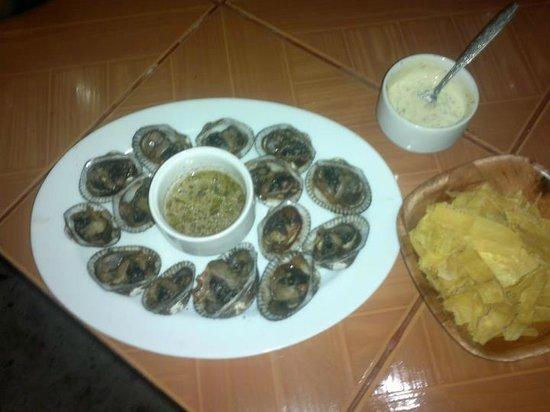 Cabana Restaurant Playa Nuestra: Disfrute de las mas deliciosas conchas asadas
