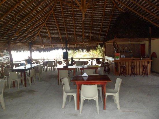 Cabana Restaurant Playa Nuestra: Amplio lugar para su comodidad