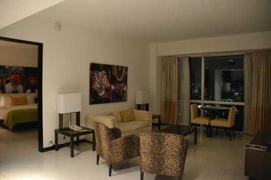 Radisson Decapolis Hotel Panama City: Living room
