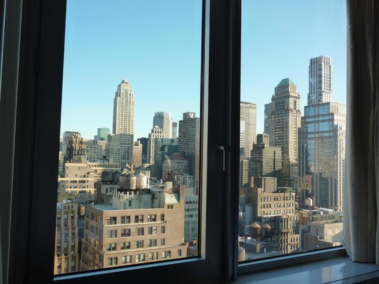 Hilton Garden Inn New York/West 35th Street: la vista dal letto dal 29° piano