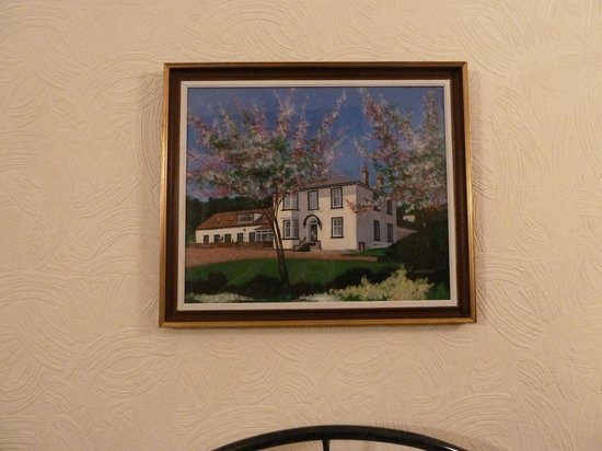 Tighnabruaich Hotel : A painting of the hotel in our bedroom.