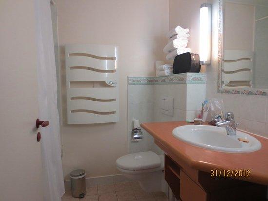 Hotel Villa Victoria: Bathroom
