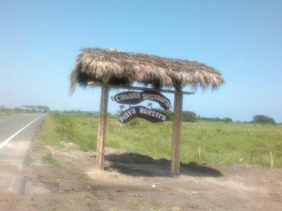 Cabana Restaurant Playa Nuestra: Entrada al restaurante