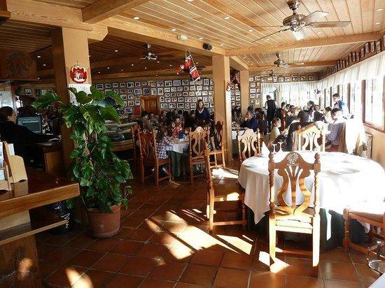 Nuevo Reino : the dining room