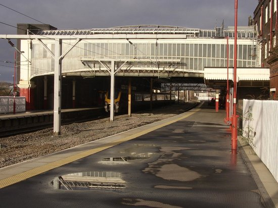 Stoke-on-Trent Railway Station: Stoke on Trent Railway Station; from southern end of platform one
