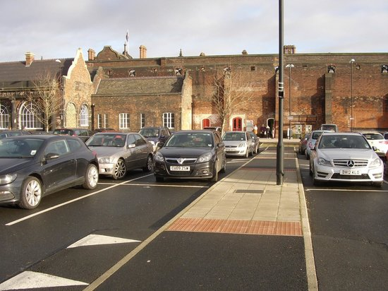 Stoke-on-Trent Railway Station: Stoke on Trent Railway Station; new carkpark between A500 and platform two