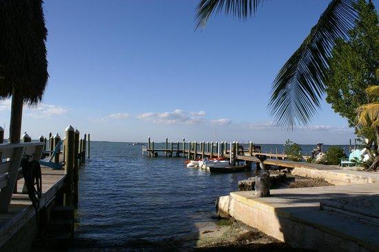 ذا بيليكان كي لارجو كوتجز: Bayfront docks