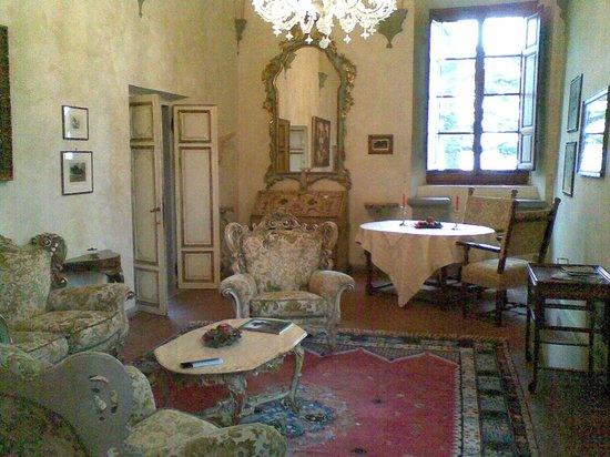 Villa Poggio Bartoli: salottino