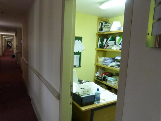 Sligo Park Hotel: Messy offices beside rooms