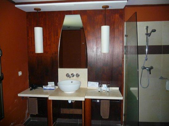 Hôtel Tieti Poindimié: Salle de bain