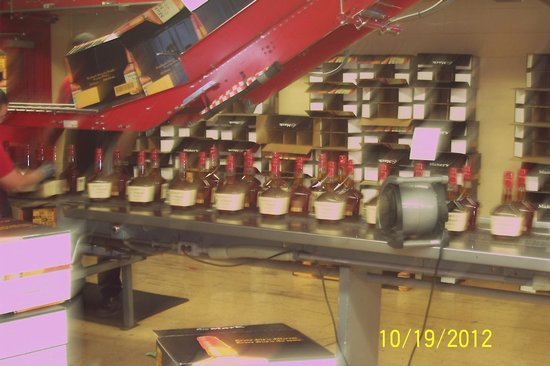 Maker's Mark: bottling Makers Mark