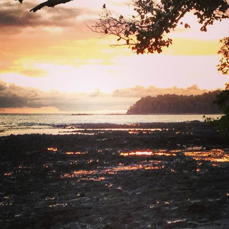 Hotel Santa Catalina Panama: Sunset at the tip of the property