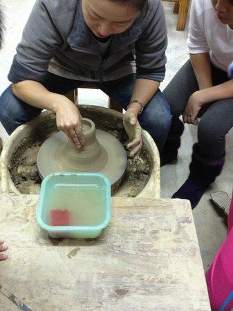 Li Tao Wan: Free Pottery Class