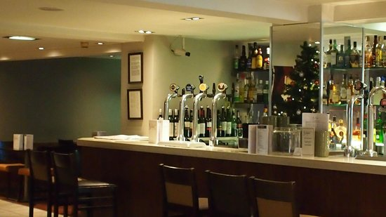 BEST WESTERN PLUS Edinburgh City Centre Bruntsfield Hotel: Bar