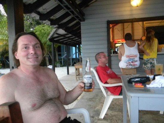 ريف هاوس ريزورت: Mark and Davey relaxing 