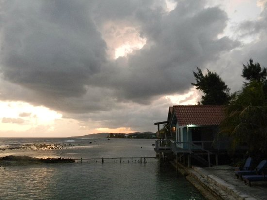 Reef House Resort : cool clouds