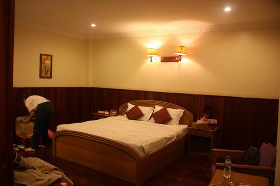 Ayarwaddy River View Hotel: chambre deluxe