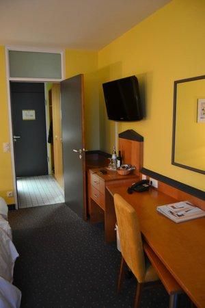 Golden Leaf Hotel & Residence Frankfurt: vista camera 4