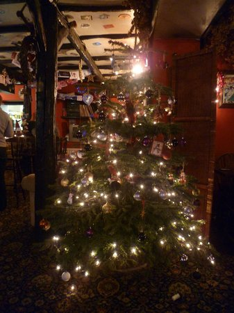 Moorcock Inn: Christmas tree