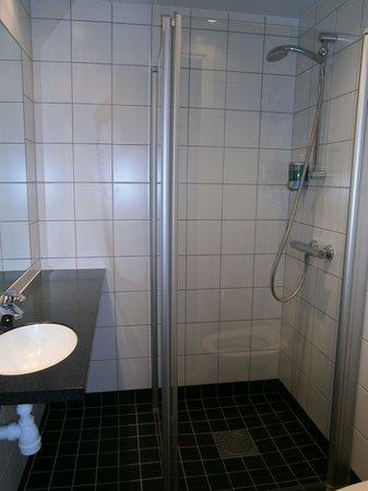 Connect Hotel City: Salle de bain
